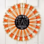 Spoon and Fork DIY Thanksgiving fall wreath craft