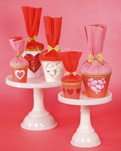 Valentine's Day Treat Bags - DIY Valentine's Day Party Crafts